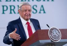 Descarta AMLO flexibilizar inversiones en energias limpias